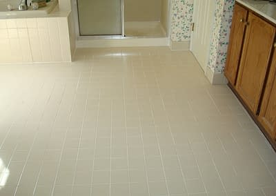 Bathroom tile and grout cleaned in North Wales, PA