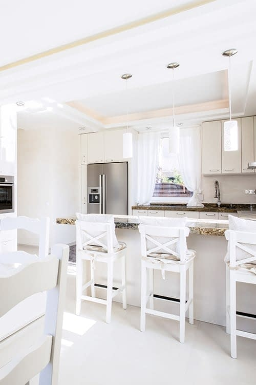 sparkling white kitchen tile